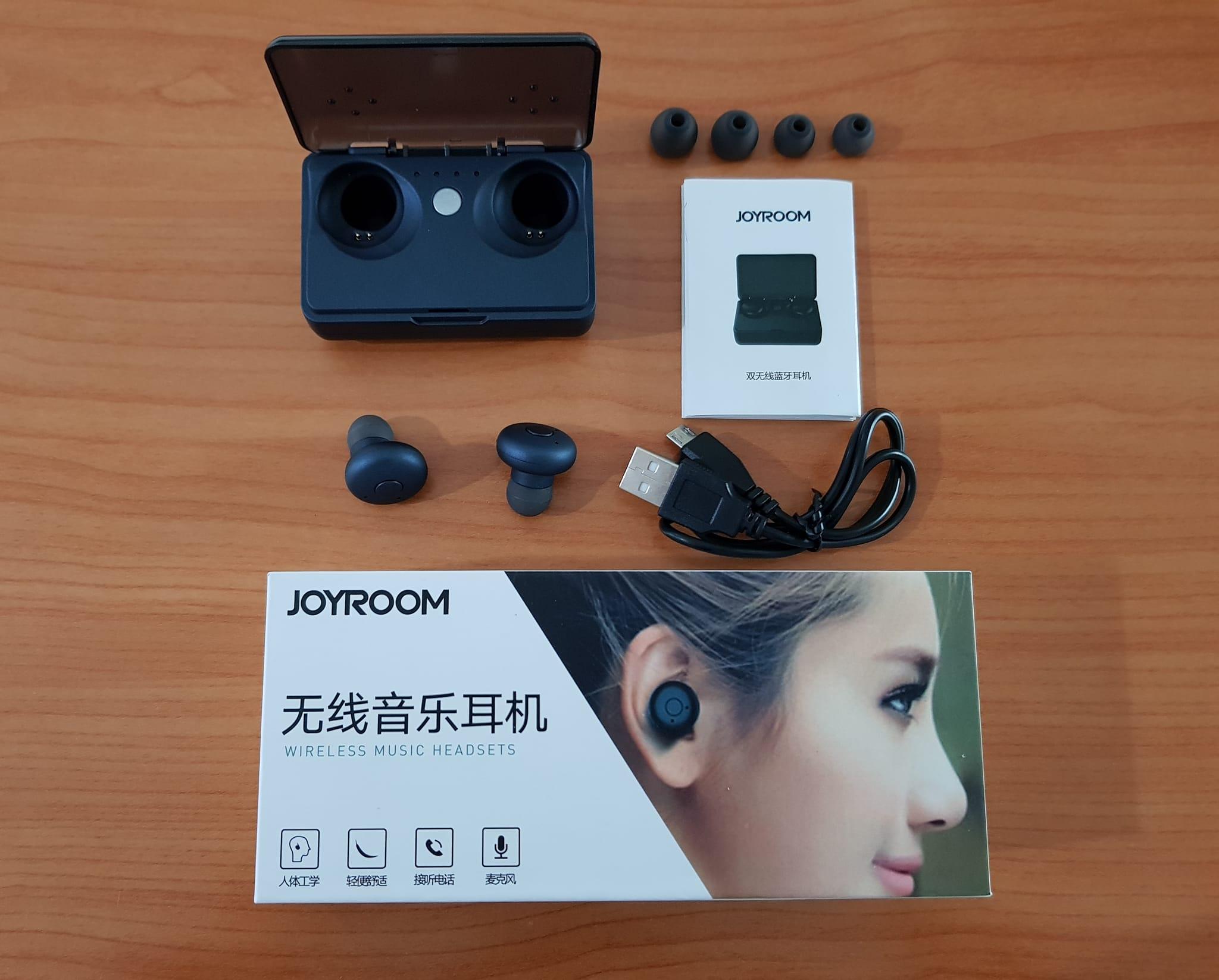 JOYROOM E 20 หูฟังบลูทูธ 4.1 + EDR ที่มาพร้อมกับกล่องชาร์จขนาด 2200 mAh ซึ่งสามารถชาร์จหูฟังได้เป็นอาทิตย์ และสามารถชาร์จมือถือได้
