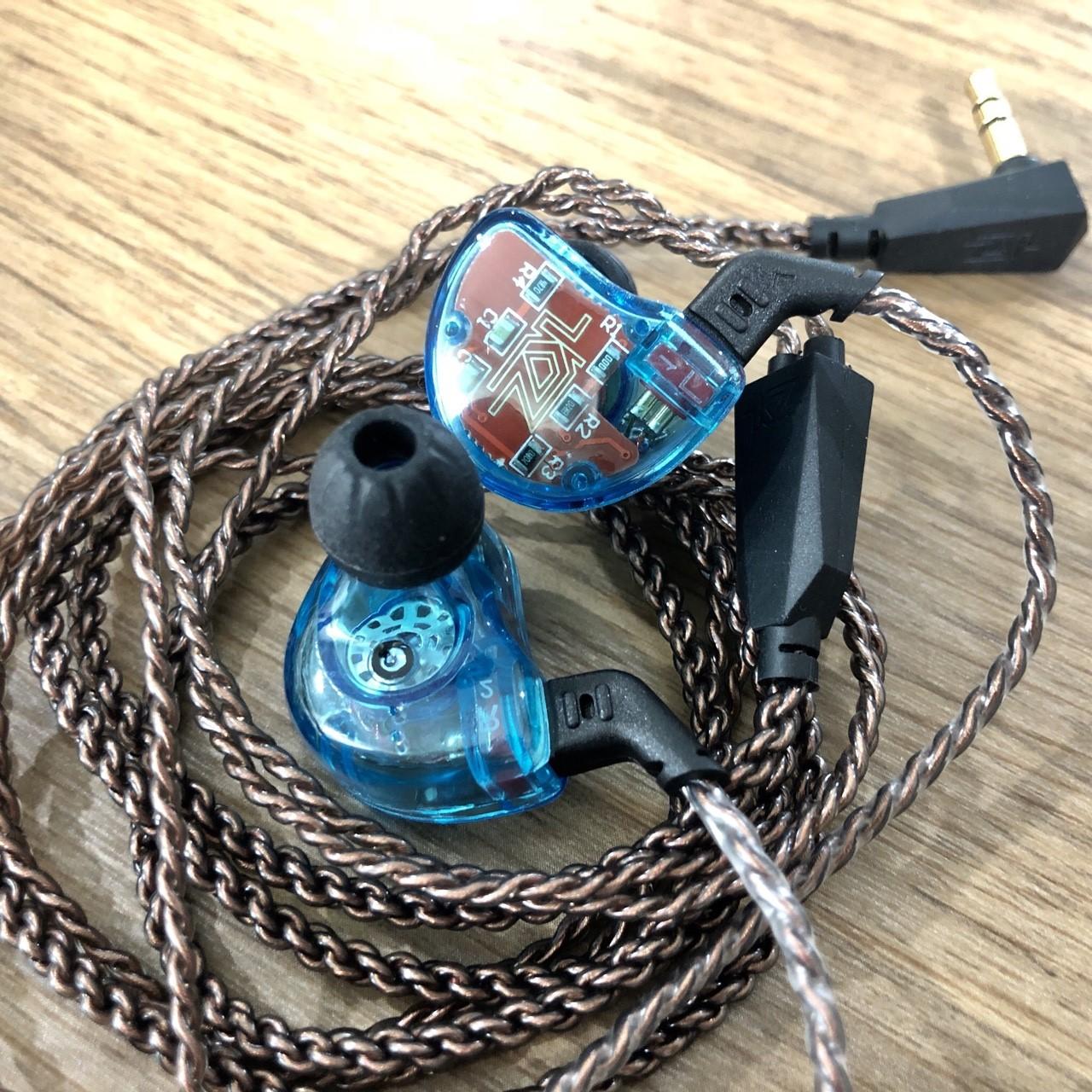KZ รุ่น ZS10 สีฟ้า (มีไมค์ ) หูฟัง Hybrid 5 ไดร์เวอร์ ถอดเปลี่ยนสายได้ ประกัน 6 เดือน รูปทรง in ear monitor (IEM) เสียงดี มิติครบ